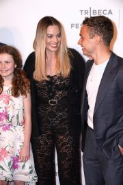 """Margot Robbie at """"Dreamland"""" Premiere During the 2019 Tribeca Film Festival in New York City 2019/04/28 3"""