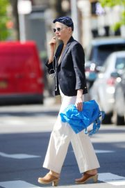 Michelle Williams Shopping Out in Los Angeles 2019/04/30 9