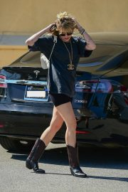 Miley Cyrus Out and About in Studio City 2019/04/25 1