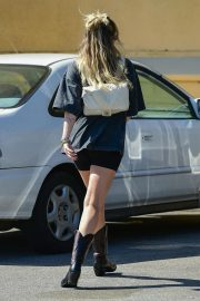 Miley Cyrus Out and About in Studio City 2019/04/25 8