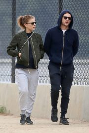 Pregnant Kate Mara and Jamie Bell Out in Silver Lake 2019/04/20 2
