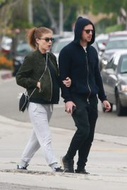 Pregnant Kate Mara and Jamie Bell Out in Silver Lake 2019/04/20 5