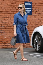 Reese Witherspoon Out A SPA Session in Santa Monica 2019/04/28 5
