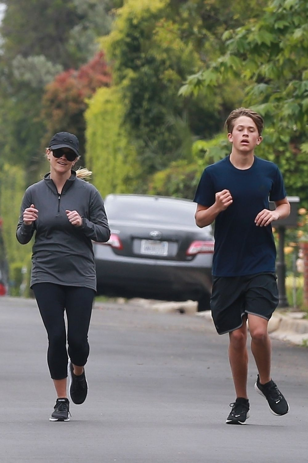 REESE WITHERSPOON Out Jogging in Brentwood 2019/04/20 1