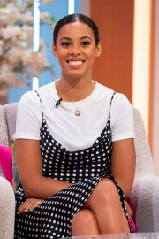 Rochelle Humes at Lorraine Show in London 2019/04/24 7