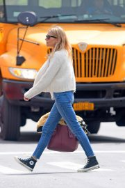 Sienna Miller Out in New York 2019/04/29 4