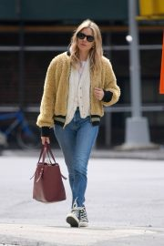 Sienna Miller Out in New York 2019/04/29 6