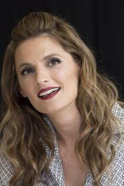"""Stana Katic at """"Absentia"""" Press Conference in Los Angeles 2019/04/26 5"""