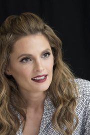 """Stana Katic at """"Absentia"""" Press Conference in Los Angeles 2019/04/26 8"""