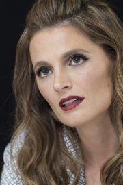 """Stana Katic at """"Absentia"""" Press Conference in Los Angeles 2019/04/26 12"""