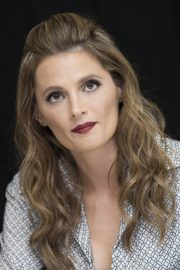 """Stana Katic at """"Absentia"""" Press Conference in Los Angeles 2019/04/26 13"""