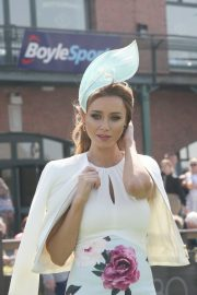 Una Healy attends Ladies Day at Fairyhouse Races in Ireland 2019/04/22 4