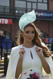 Una Healy attends Ladies Day at Fairyhouse Races in Ireland 2019/04/22 8