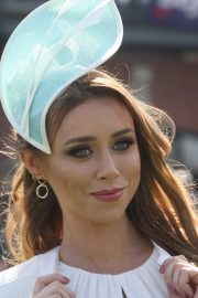 Una Healy attends Ladies Day at Fairyhouse Races in Ireland 2019/04/22 9