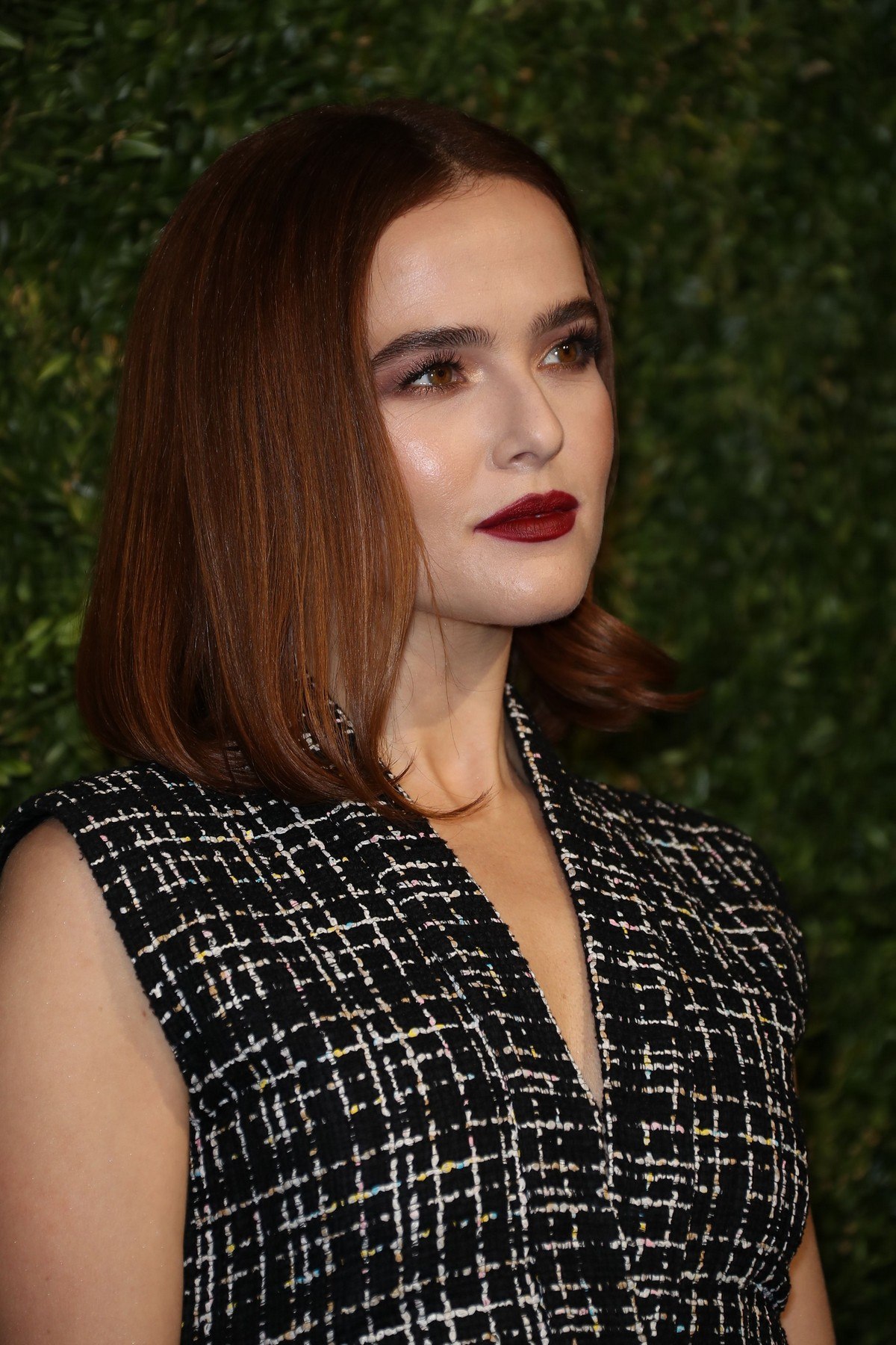 The Sexiest Zoey Deutch Pictures Ever - Barnorama