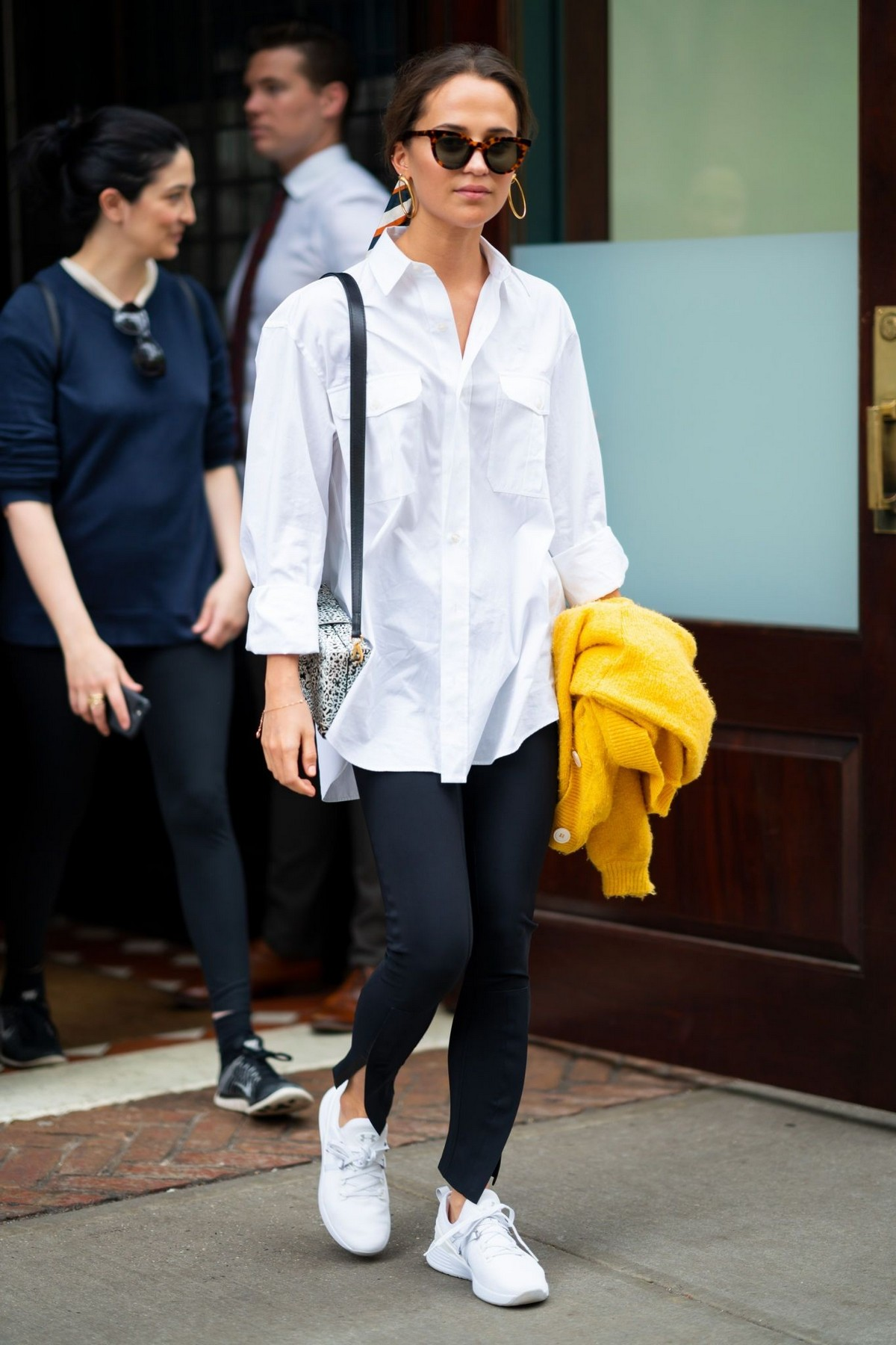 Alicia Vikander in White Shirt and Black Jeans Out in Tribeca 2019/05/10 4