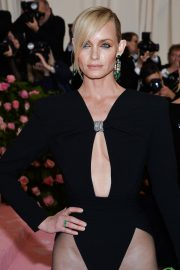 Amber Valletta at The 2019 Met Gala Celebrating Camp: Notes on Fashion in New York 2019/05/06 5