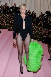 Amber Valletta at The 2019 Met Gala Celebrating Camp: Notes on Fashion in New York 2019/05/06 8