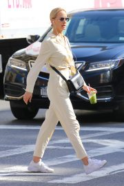 Amber Valletta Out in New York 2019/05/07 3