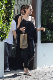 Angelina Jolie Having Lunch with Pax at Cecconi's in Los Angeles 2019/05/04 4