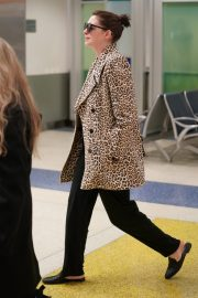 Anne Hathaway at JFK Airport in New York 2019/05/03 2