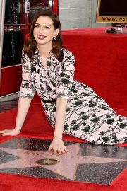 Anne Hathaway at Star Ceremony on The Hollywood Walk Of Fame in Hollywood 2019/05/09 14