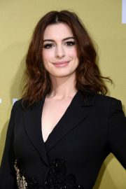 """Anne Hathaway at """"The Hustle"""" Premiere at Arclight Cinerama Dome Hollywood 2019/05/08 5"""