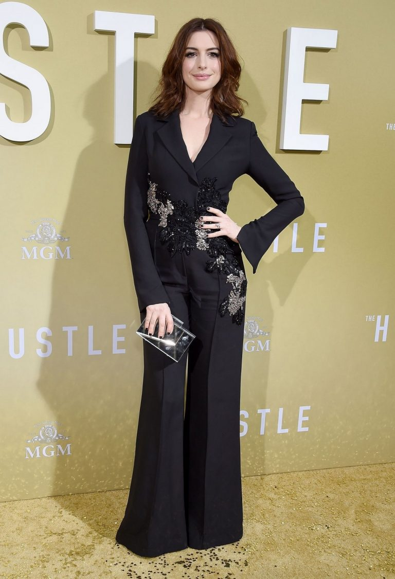 "Anne Hathaway at ""The Hustle"" Premiere at Arclight Cinerama Dome Hollywood 2019/05/08 10"