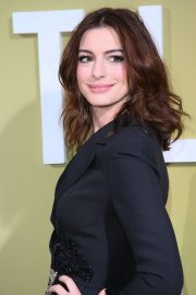 """Anne Hathaway at """"The Hustle"""" Premiere at Arclight Cinerama Dome Hollywood 2019/05/08 13"""