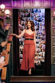 Anne Hathaway at The Late Late Show with James Corden 2019/05/09 9