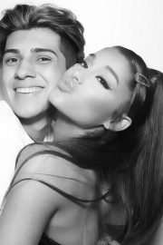 Ariana Grande at Sweetener World Tour Meet and Greet in Phoenix 2019/05/14 7