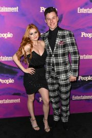 Ariel Winter with co-star Nolan Gould at Entertainment Weekly & PEOPLE New York Upfronts Party 2019/05/13 5