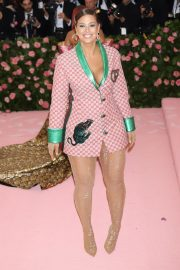 Ashley Graham at The 2019 Met Gala Celebrating Camp: Notes on Fashion in New York 2019/05/06 1