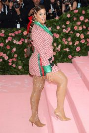 Ashley Graham at The 2019 Met Gala Celebrating Camp: Notes on Fashion in New York 2019/05/06 7