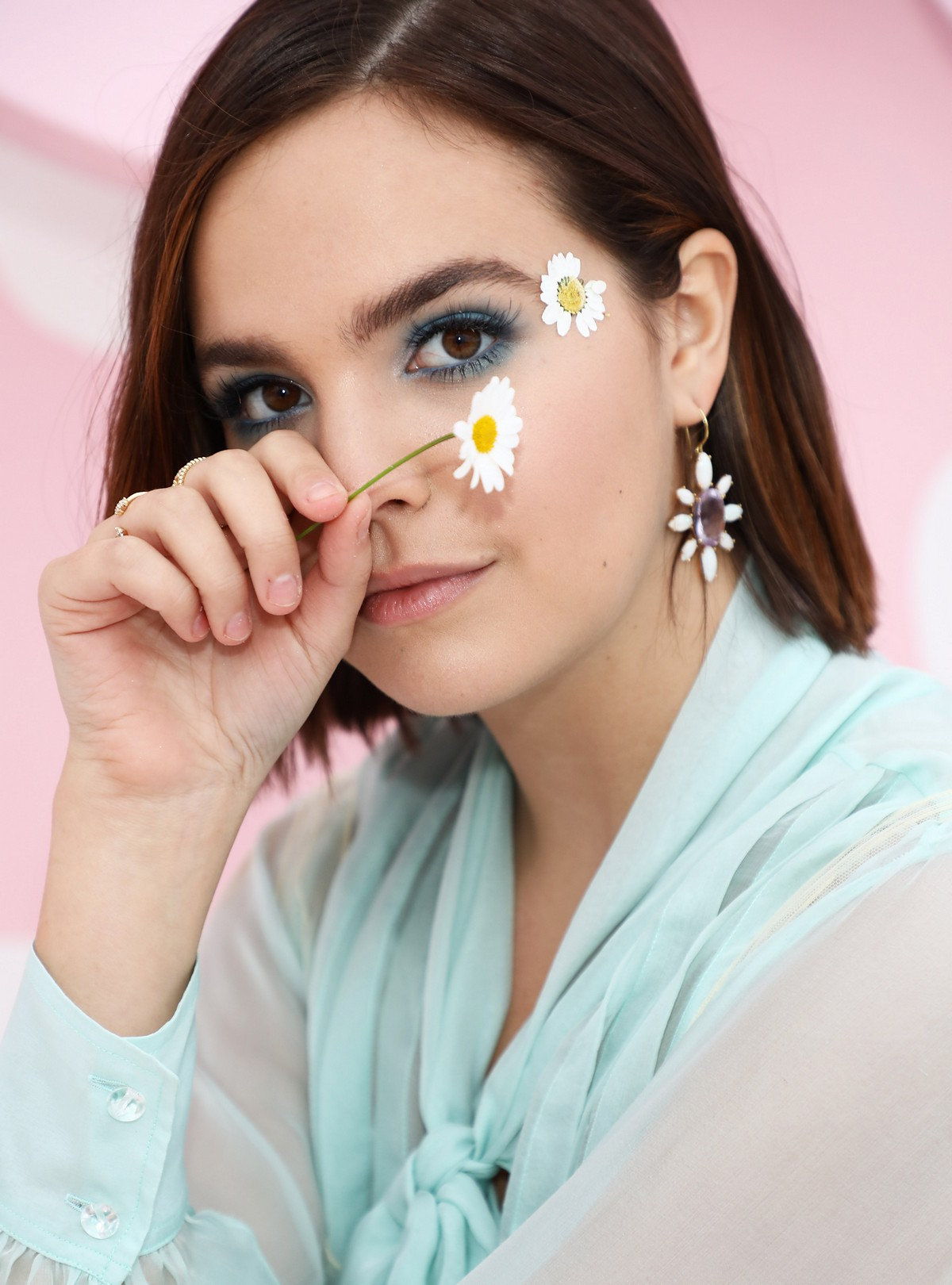 """Bailee Madison at Marc Jacobs Daisy Love """"So Sweet"""" Fragrance Popup Event Los Angeles 2019/05/09 5"""