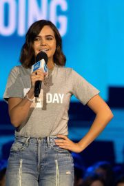 Bailee Madison attends WE Day Chicago at the Forum 2019/05/08 3