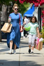 Bethany Joy Lenz Out in Studio City With Her Daughter 2019/05/04 1