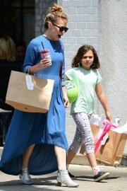 Bethany Joy Lenz Out in Studio City With Her Daughter 2019/05/04 2