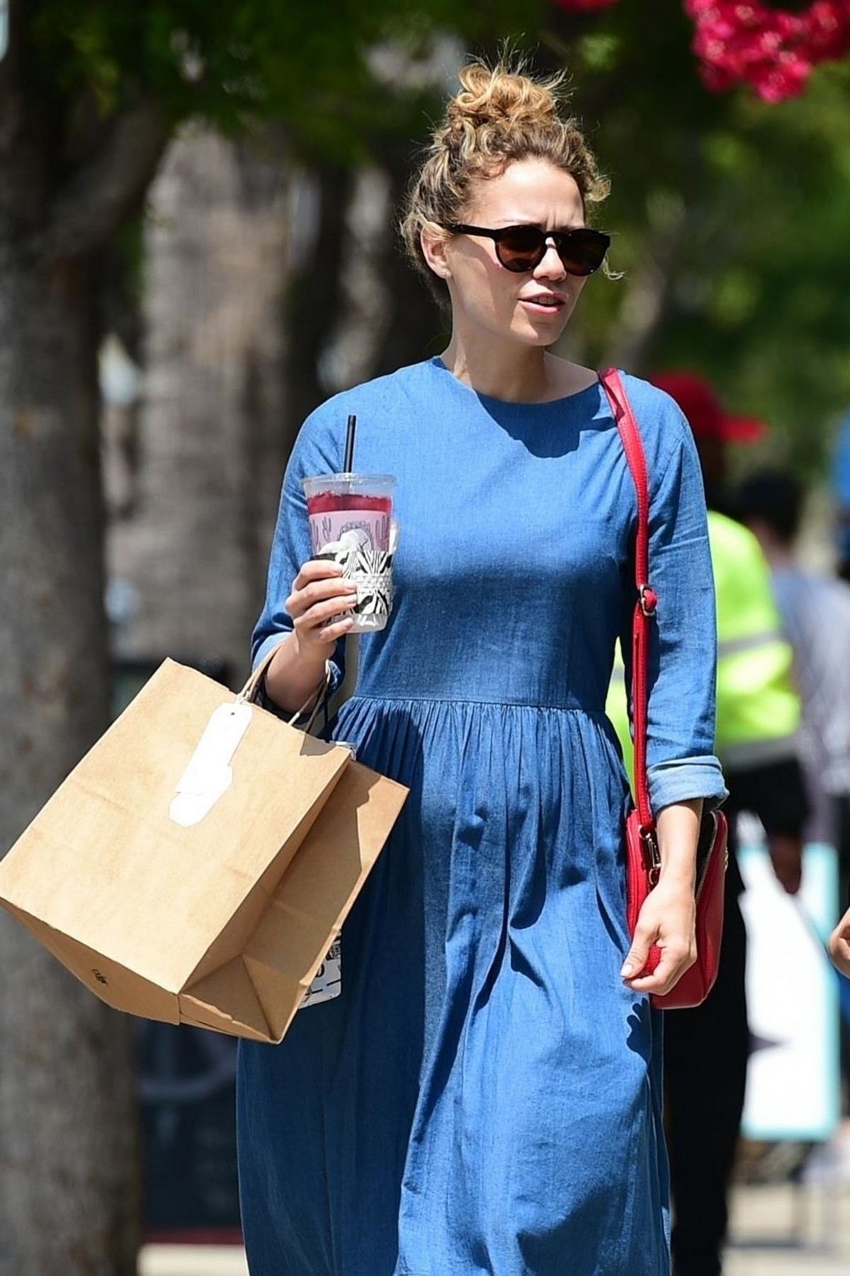 Bethany Joy Lenz Out in Studio City With Her Daughter 2019/05/04 3