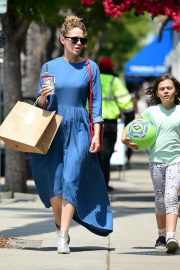 Bethany Joy Lenz Out in Studio City With Her Daughter 2019/05/04 4
