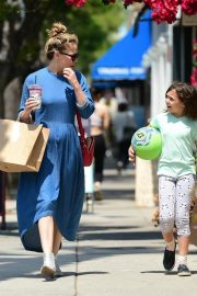Bethany Joy Lenz Out in Studio City With Her Daughter 2019/05/04 7