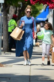 Bethany Joy Lenz Out in Studio City With Her Daughter 2019/05/04 8