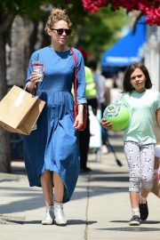 Bethany Joy Lenz Out in Studio City With Her Daughter 2019/05/04 9