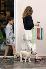 Bethany Joy Lenz with Her Daughter Maria Rose Galeotti Out in Los Angeles 2019/05/11 14