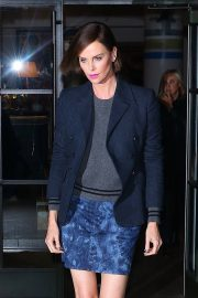"""Charlize Theron at """"Late Night with Seth Meyers"""" in New York 2019/05/01 3"""