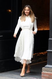 Chrissy Teigen Leaves The Today Show in New York 2019/05/02 3
