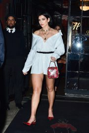 Dua Lipa Out at The Bowery Hotel in New York 2019/04/30 4