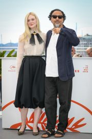 Elle Fanning and Alejandro Gonzalez Inarritu at the 72nd annual Cannes Film Festival 2019/05/14 3