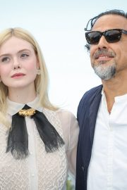 Elle Fanning and Alejandro Gonzalez Inarritu at the 72nd annual Cannes Film Festival 2019/05/14 6