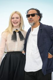 Elle Fanning and Alejandro Gonzalez Inarritu at the 72nd annual Cannes Film Festival 2019/05/14 7
